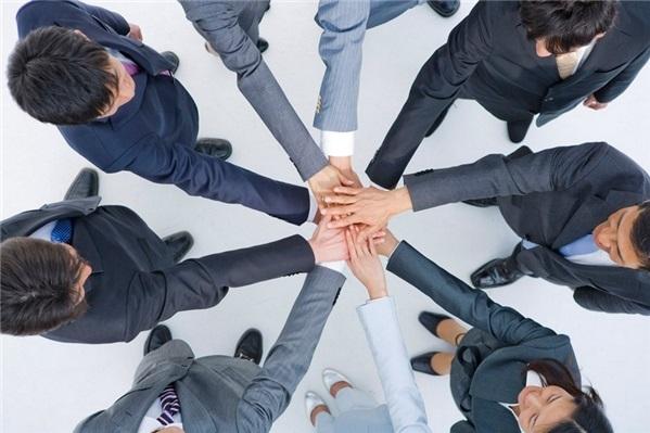 Dựa trên tinh thần đoàn kết
